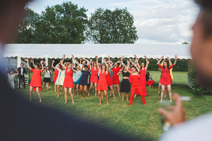 invités dansants mariage