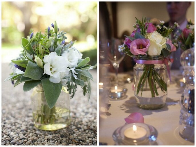 Centres de table avec des fleurs. Photos: Amy and Stuart photography