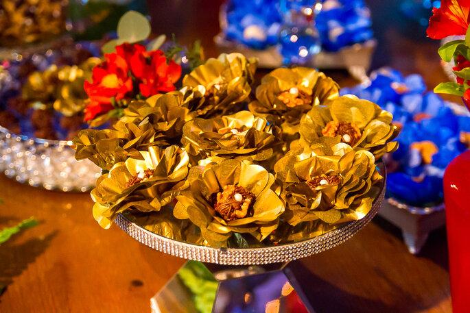 Embalagens douradas para docinhos