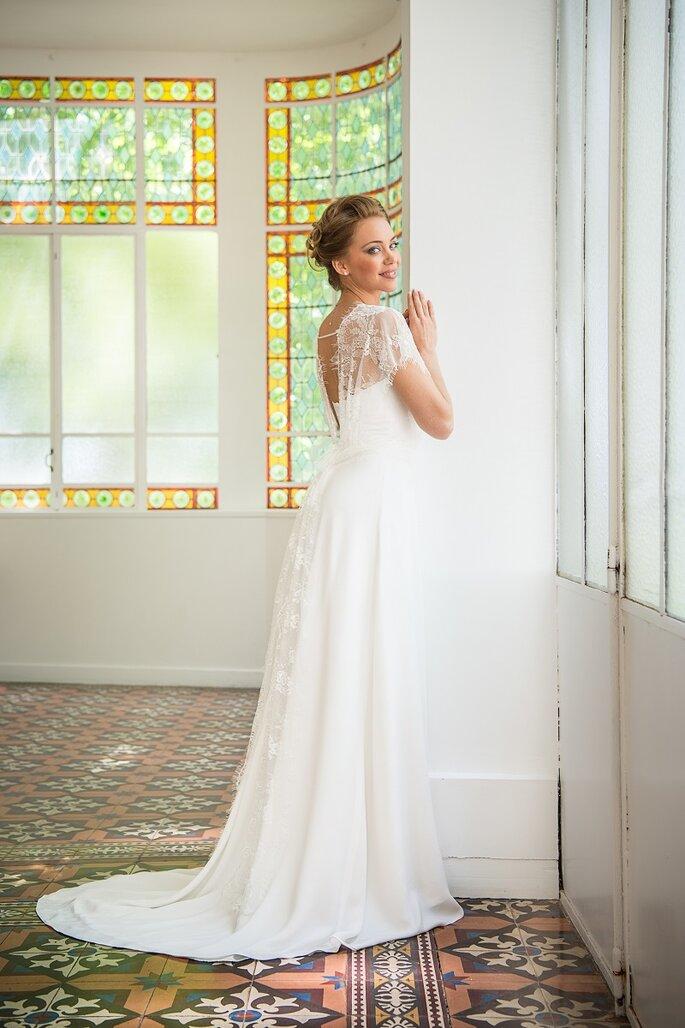 Photo : Thibault Chappe. Les Mariées de Provence - FRIGOLET - robe dentelle