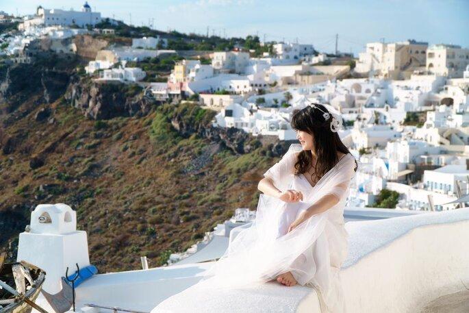 Une mariée photographiée dans les îles grecques