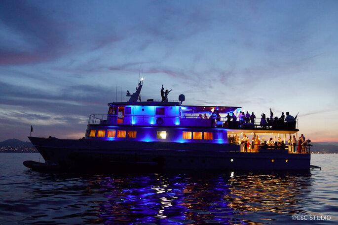 Yacht Clara One, arrivée à Marseille, lieu de réception pour votre mariage
