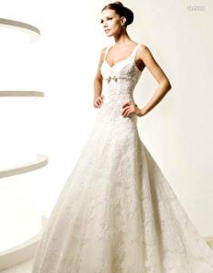 La Sposa 2010 - Lemona, langes Prinzessinnenkleid mit Spitze, Herzausschnitt und Schleife unter der Brust