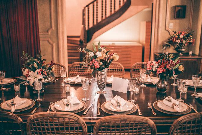 Casa Ateliê. Foto da mesa decorada
