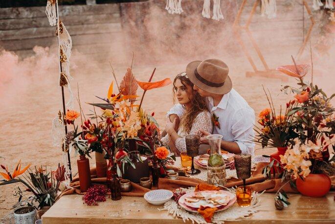 Die Farben des Orients Hochzeitsdekoration Tischdeko und Brautpaar