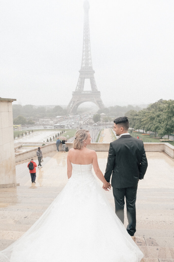 """Love The Dress"" em Paris por Preto & Prata"
