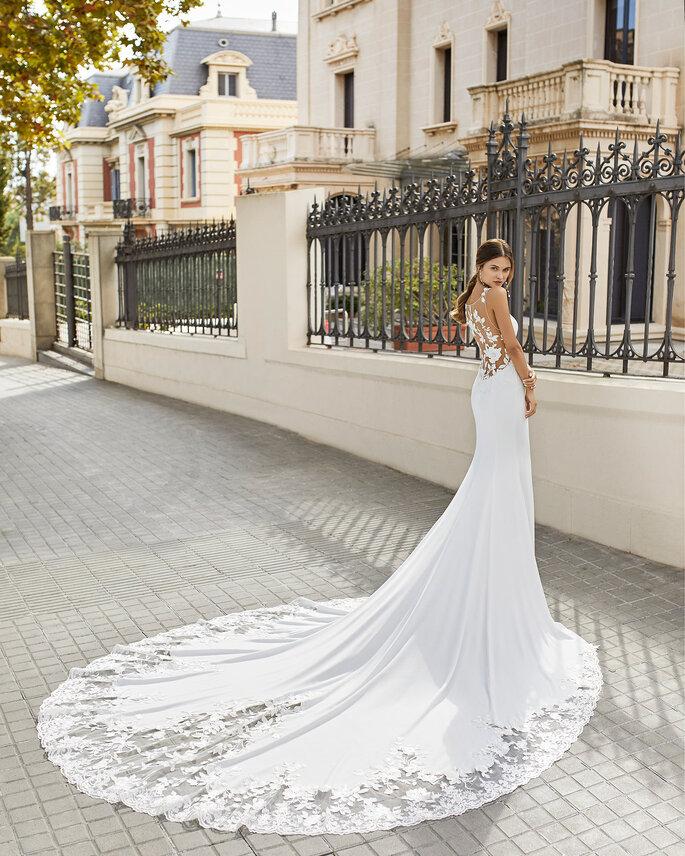 Robe de mariée avec une traîne