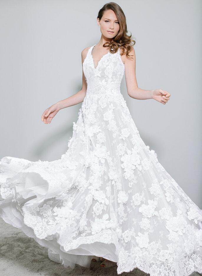 Vestido de noiva bordado de flores