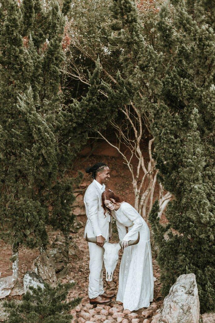 Foto divertida dos noivos