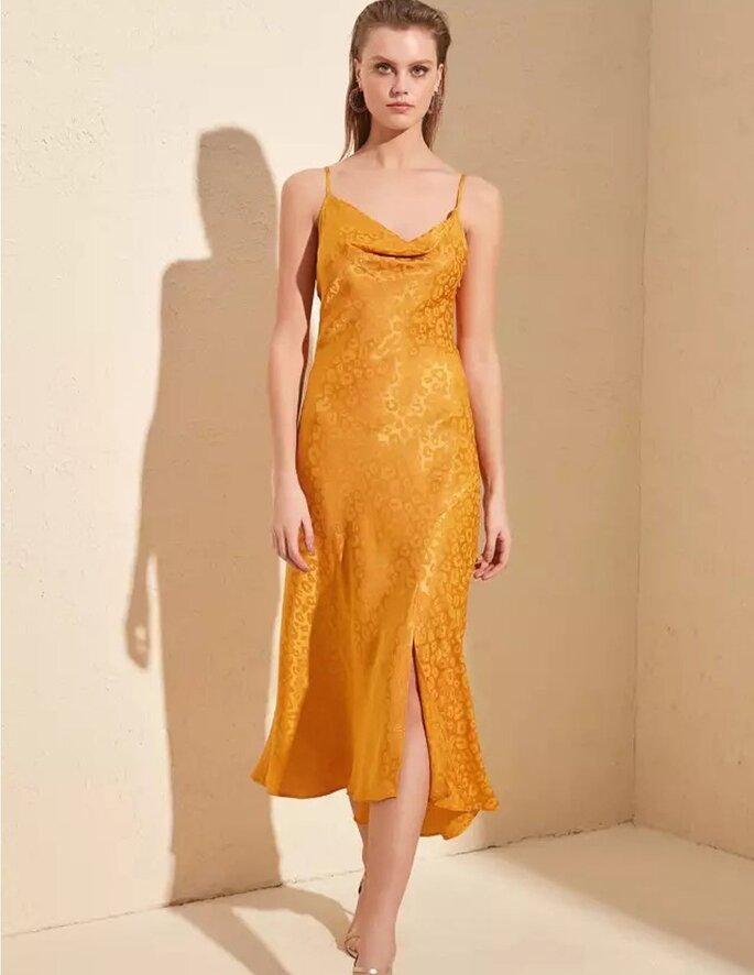 vestido liso para evento de día color amarillo
