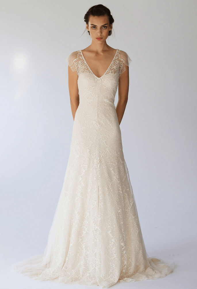 Vestido de novia elegante con mangas cortas de transparencias - Foto Lela Rose