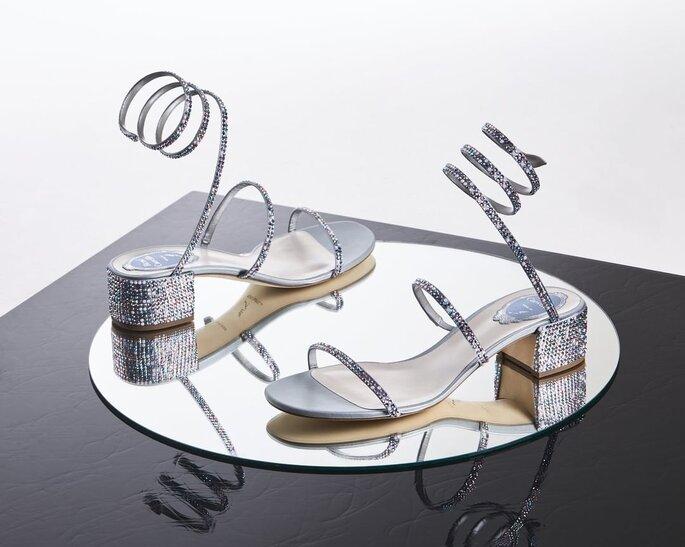 Sandalias para novia plateadas y con cintas para ajustar