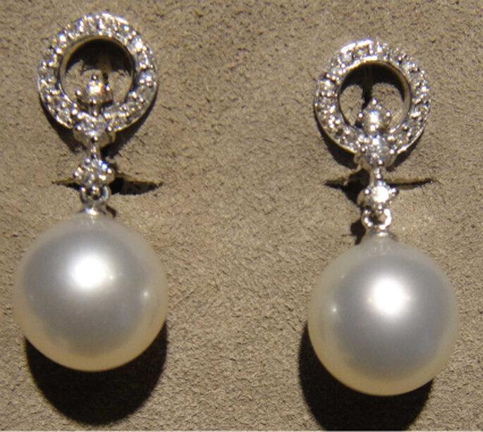 Otros hermosos pendientes también en diamantes, oro blanco y perlas de cultivo