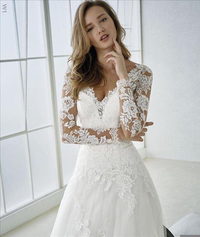 Robe de mariée de la collection White One 2018, disponible chez Confidence Mariage