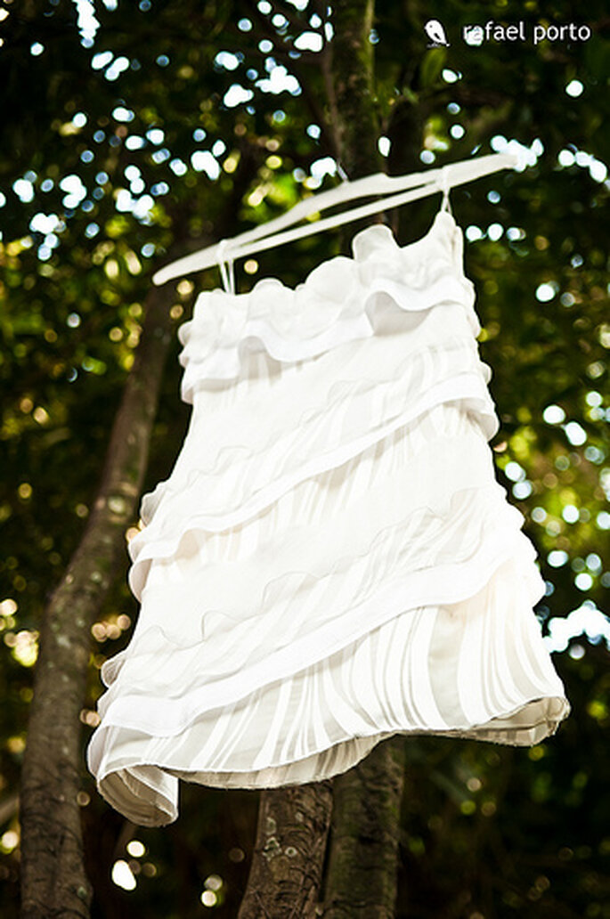 Una costurera para ajustar o realizar tu vestido. Foto: Rafael Porto