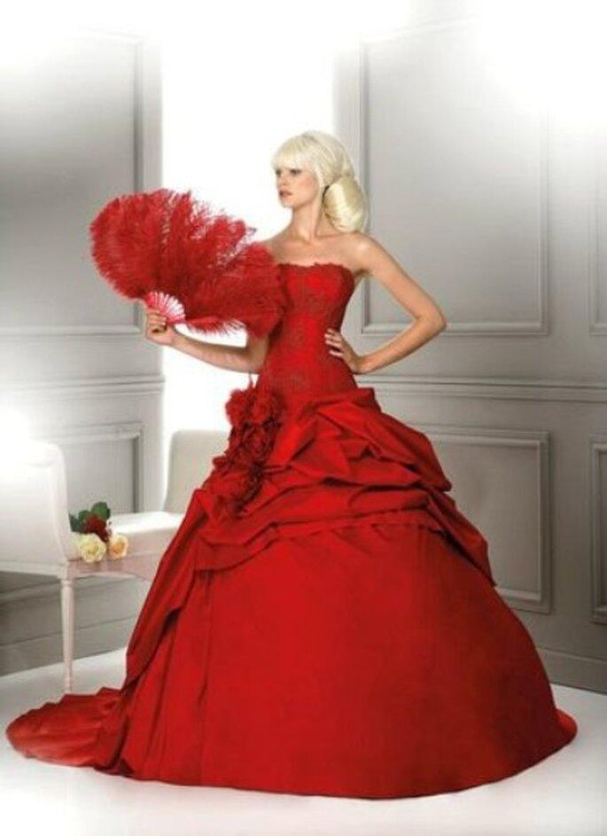Robe de mariée rouge Louisiane - Hervé Mariage 2012
