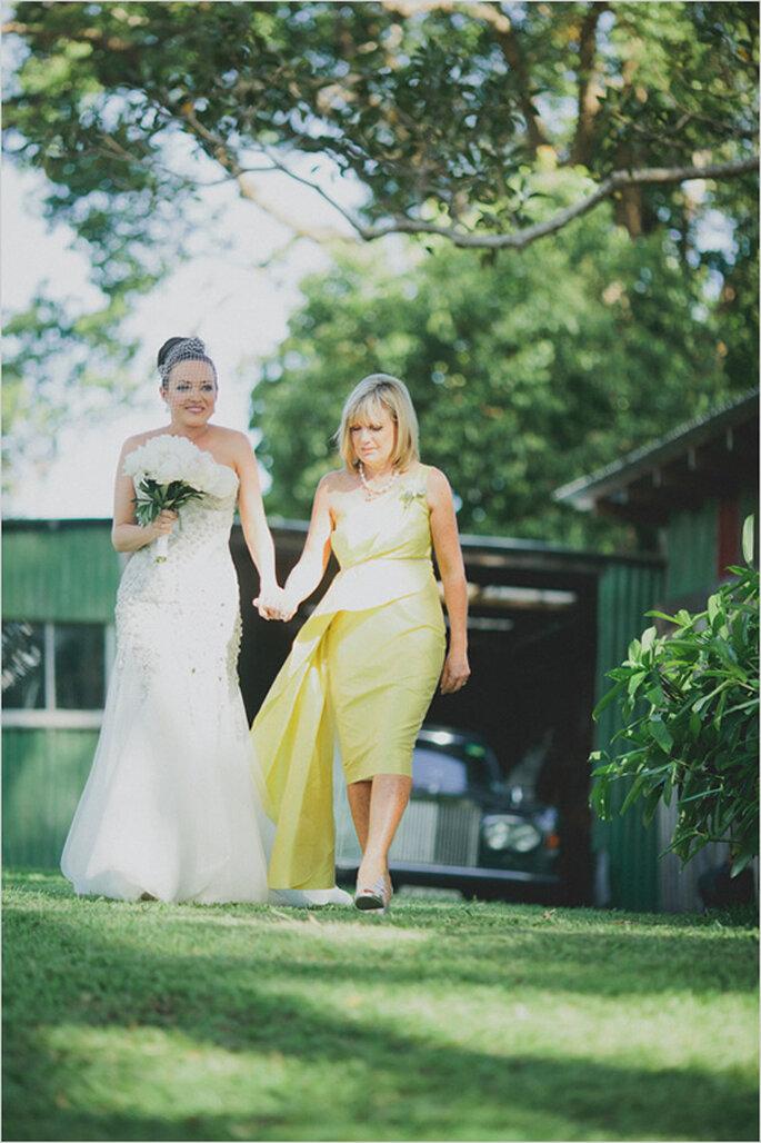 Las fotos obligadas de la novia con su mamá - Foto Jonas Peterson