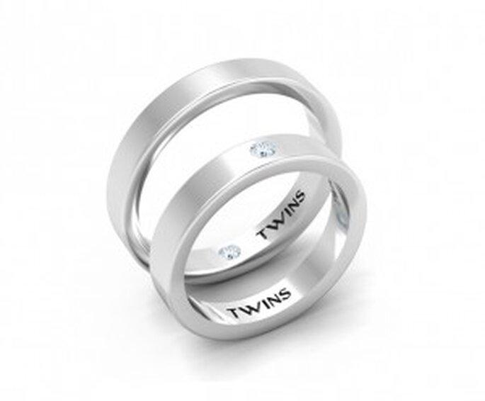 Alliances TWINS - Evolution :  plates, en or blanc 750/mm, couple de diamants TWINS taille ronde de 0,08 carats