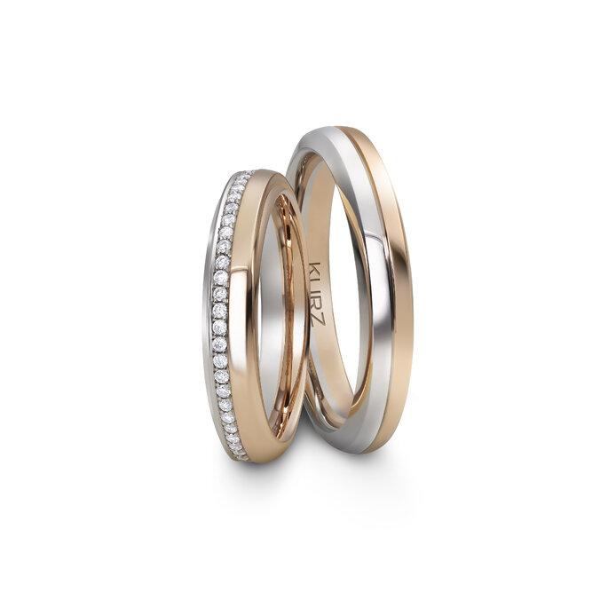 Silber und goldenes Trauringpaar mit Diamanten