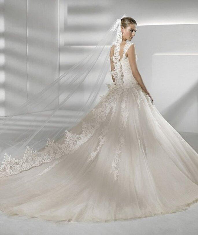 Vestido de novia de cauda larga. Colección Sposa 2012