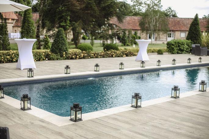 Lieu de réception de mariage avec une piscine