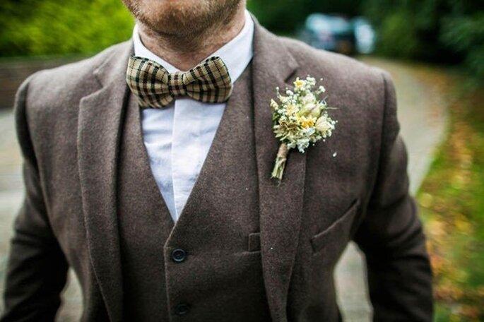 Połączenie flaneli i brązu to jeden z najbardziej trendy propozycji ślubnych na jesień