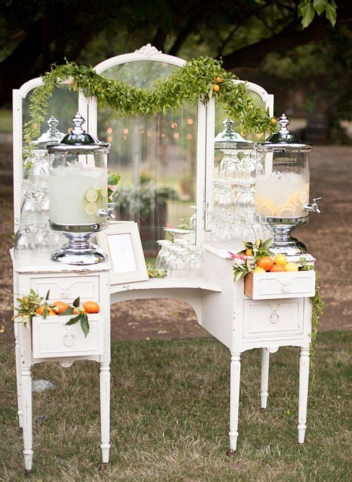 Mobiliario con diseño original para decorar una boda - Foto Annie McElwain Photography