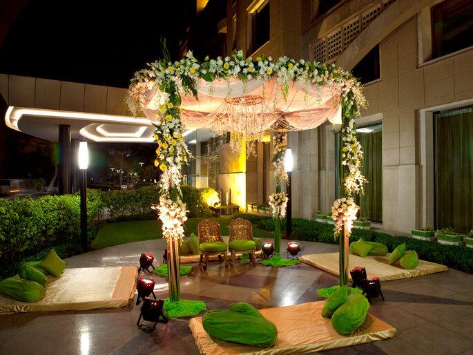 Hotel: Radisson Blu Plaza.