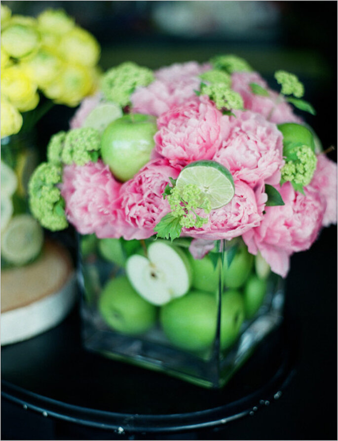 Fruits in your wedding decor - Photo: Kirill Bordon Photography