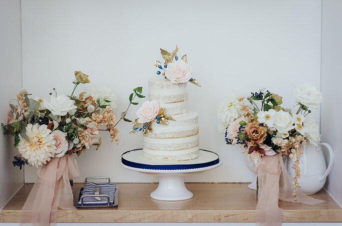 Hochzeitstorte Naked Cake mit Blumen