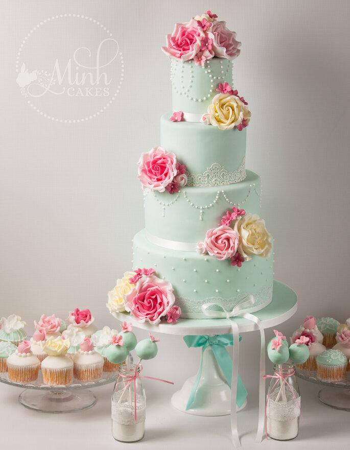 Hochzeitstorte, Cupcake und Cakepopsvon Minh.