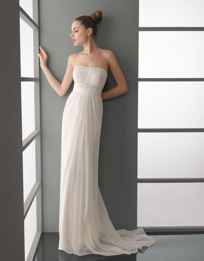 Elige un vestido de novia sencillo con inspiración griega