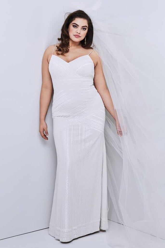 Vestido de noiva simples e eleganteplus size