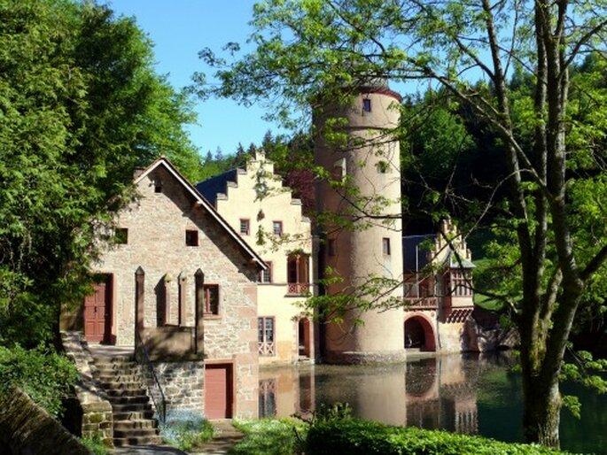 Mespelbrunn im Spessart - Flitterwochen in Deutschland. Foto: Herbert Krick / pixelio.de