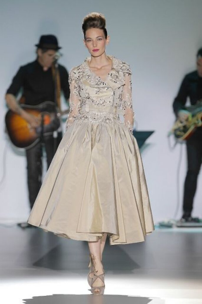 Robe de mariée Isabel Zapardiez 2014. Photo: Barcelona Bridal Week