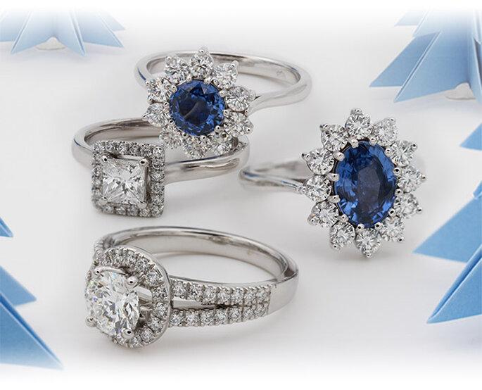 La Maison de l'Alliance & du Diamant - Solitaires sertis de diamants et d'un grand saphir et bague en diamant style halo, modèles Rhodes