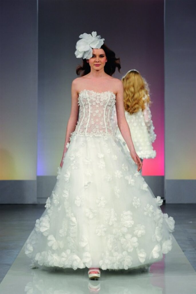 Cymbeline 2013 nous présente la robe de mariée Gourmandise au travers de son film Saint Germain