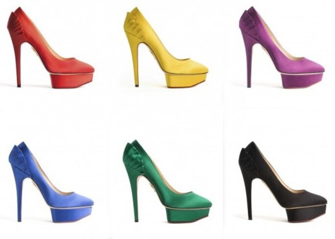 Zapatos para novia en colores neon - Foto Charlotte Olympia