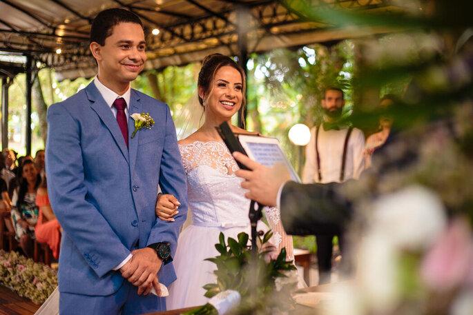 Alegria do casal durante a cerimônia