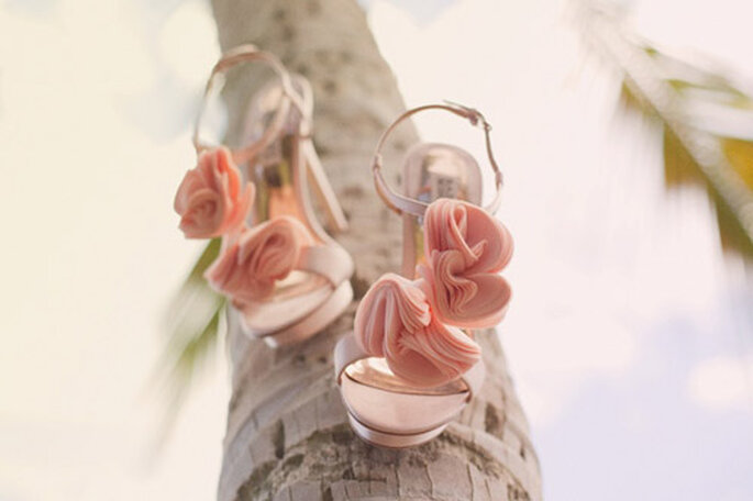 różowe szpilki na ślub