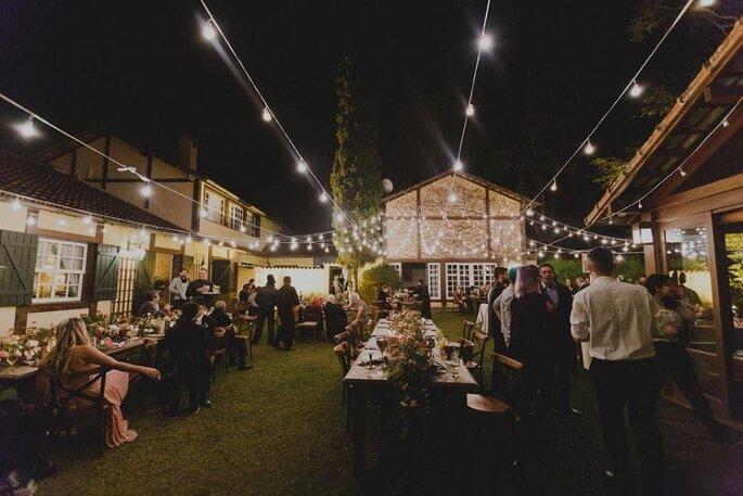 Celebração noturna na Casa do Fachoalto