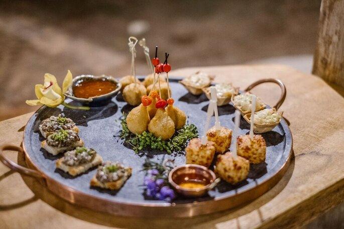 Degustação de canapés da Marina Pontes Gastronomia