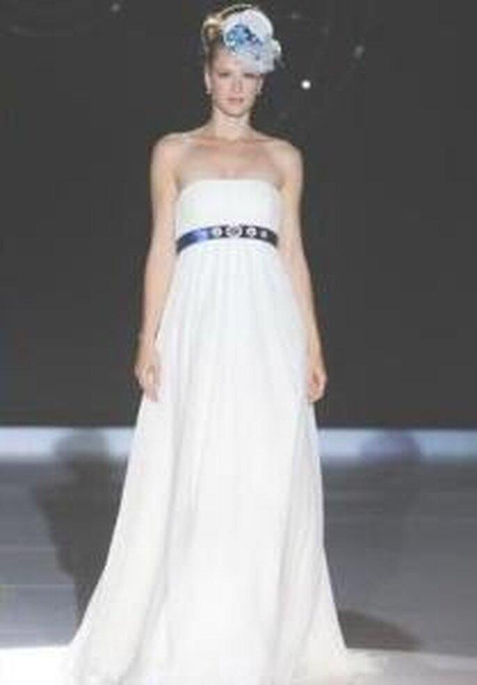 Novia D'Art 2009 - Ángela, vestido largo corte imperio con cinturón, sencillo, escote recto palabra de honor