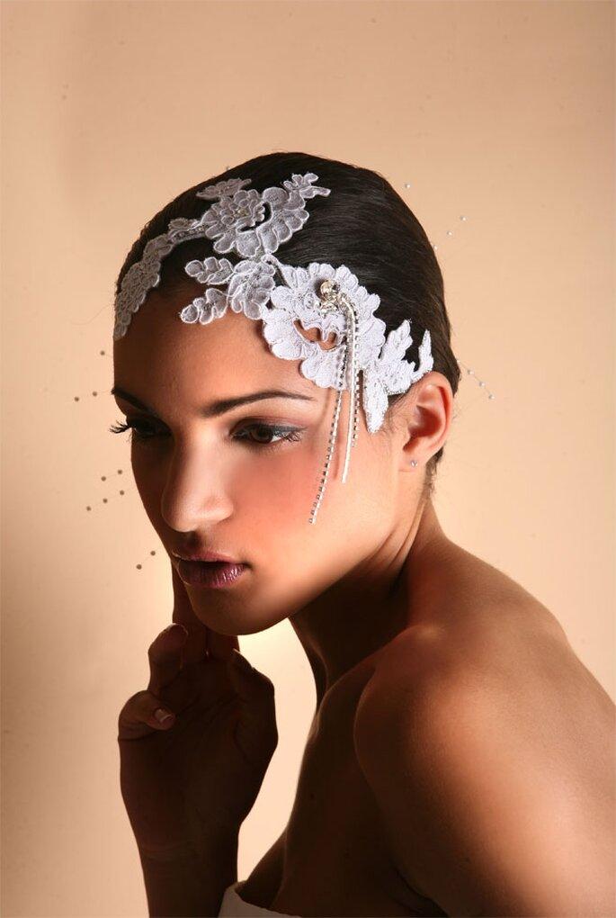 Bijoux de peau et cheveux - Photo © S. de P. Marbella