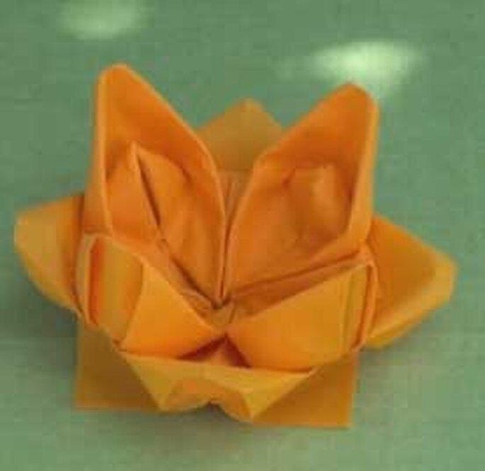 Lotus Avec Serviette : Pics Photos  Pliage De Serviette Fleur Serviettes Realisees En Papier