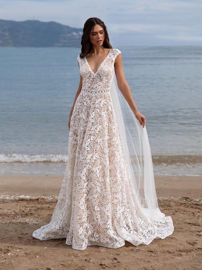 Robe de mariée vintage transparente avec un décolleté