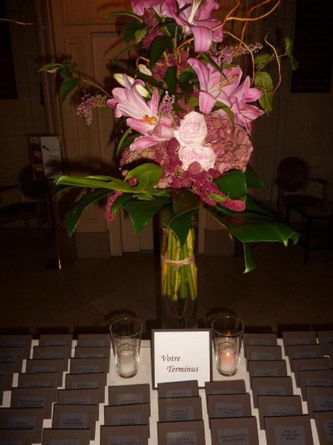 Jouez avec les fleurs pour la décoration des buffets ! -Crédit photo: MS AND JO; Etant Donné