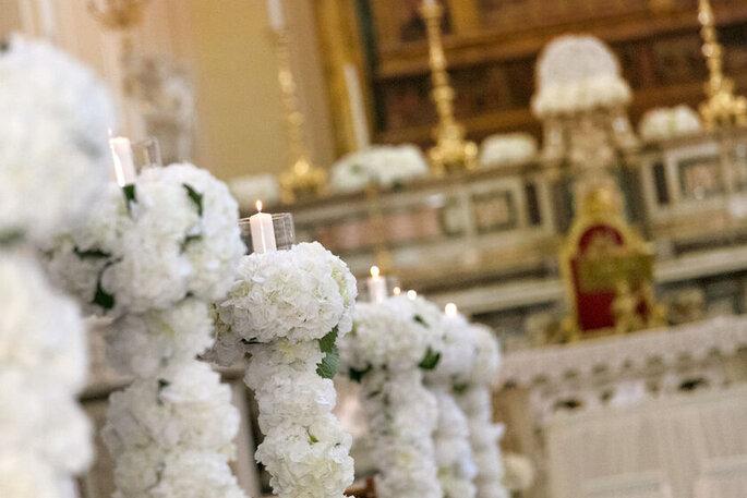Baccarà Eventi - fiori bianchi chiesa