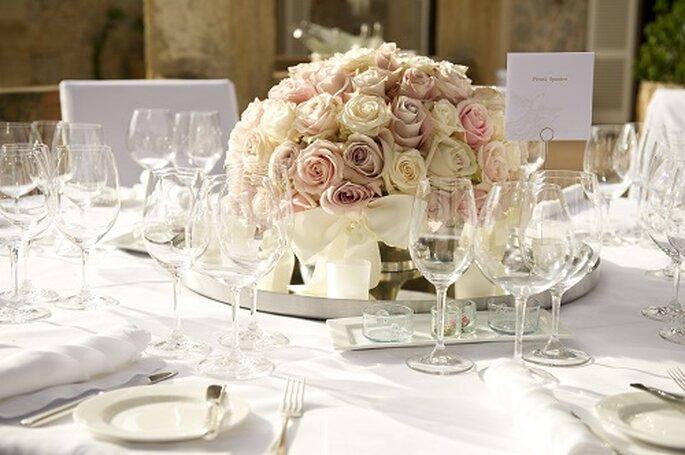 Im Weddingplanning inklusive: Tischdekoration und Hussen