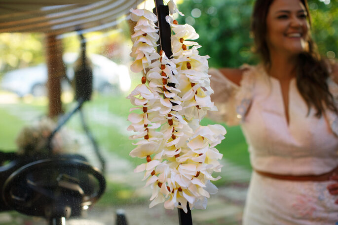 Orquídeas e rosas na cerimônia